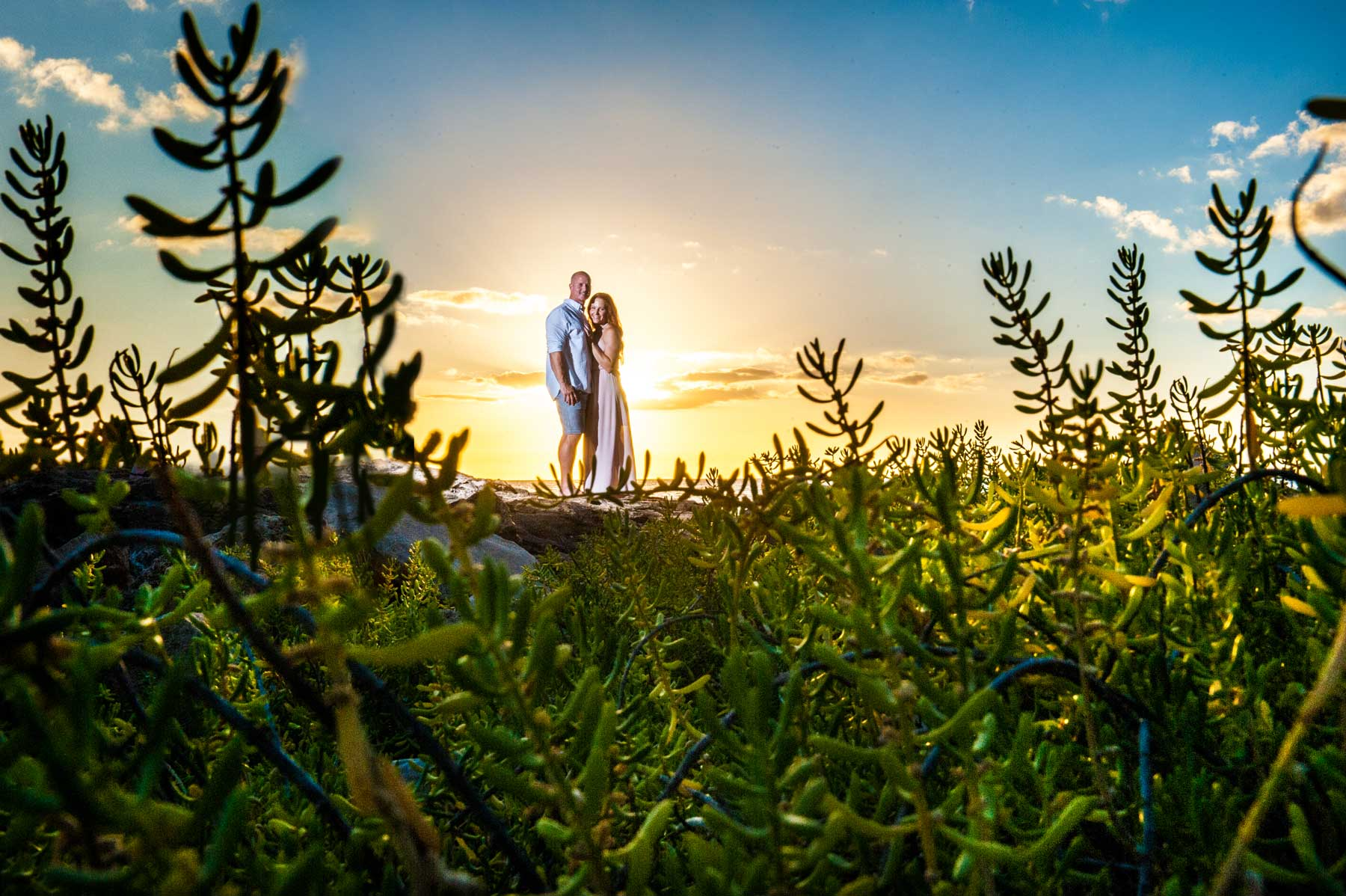 0001-gelder-oahu-engagement-session-©2016ther2studio