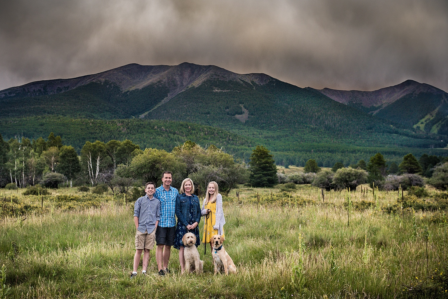 001-springborn-flagstaff-family-photos-©2017ther2studio--Edit-2