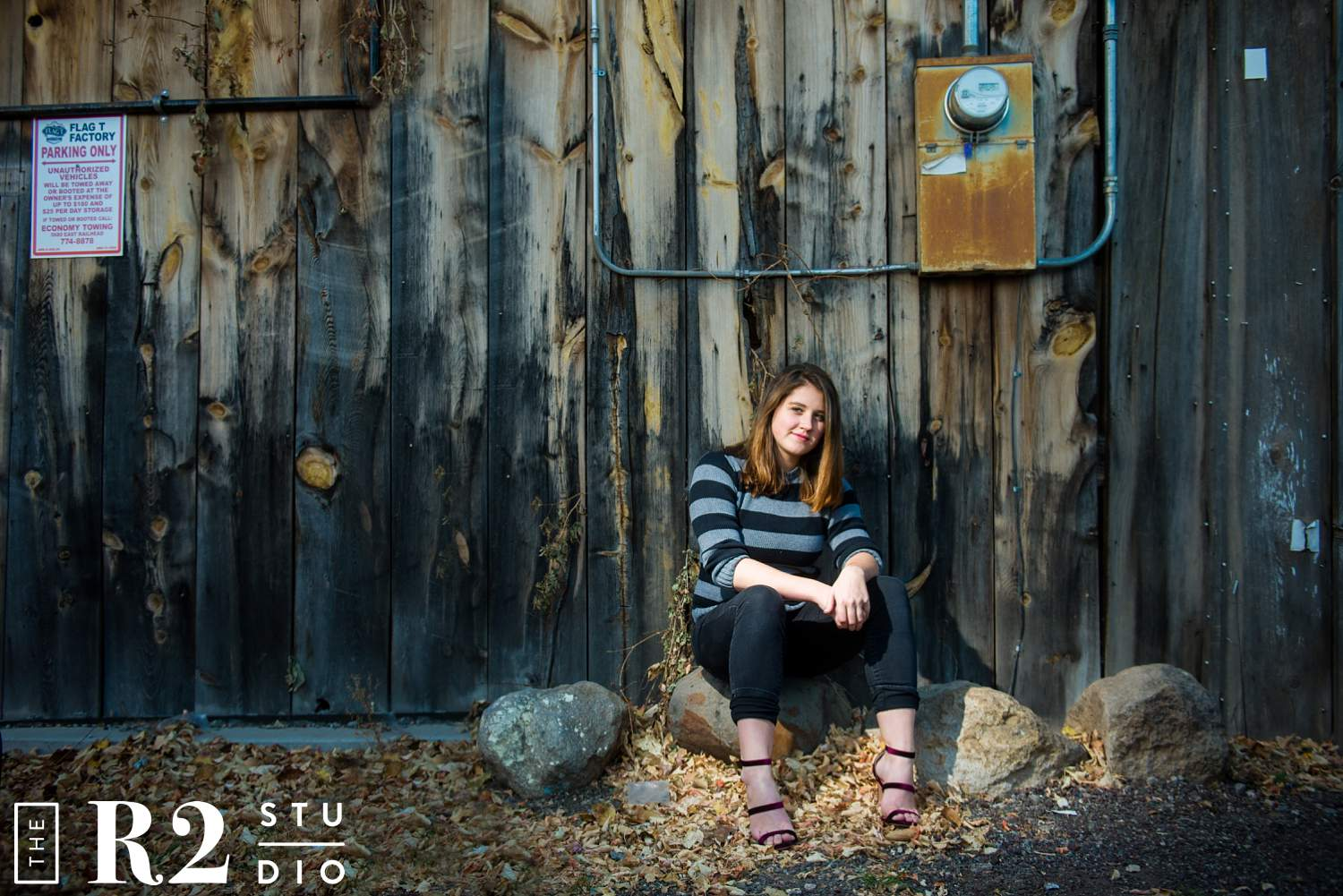 flagstaff senior portrait photographer, the r2 studio, is one of Flagstaff's best senior photo photographers.